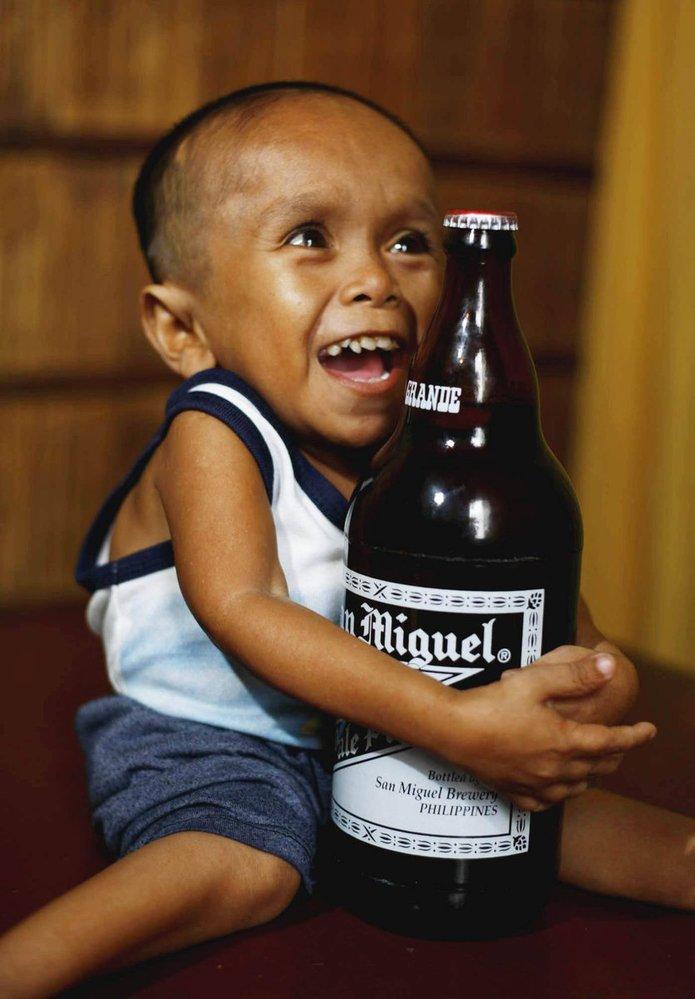 Der Kleinste Mensch Der Welt Wie Gross Wie Schwer Wie Weit Wie