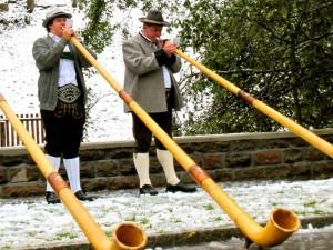 Alphorn Blasen in der Schweiz