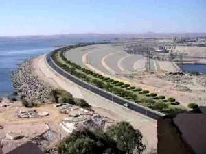 Der Nil am Assuan Staudamm