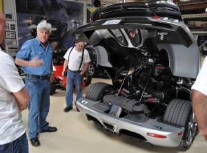 Jay Leno vor seinem Koenigsegg Trevita