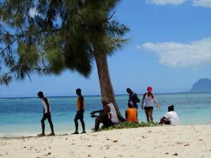 Sportler am Strand von Mauritius