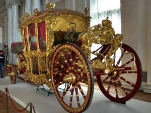 Goldene Kutsche in der Eremitage in St. Petersburg