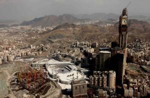 Das höchste Hotel tront über der heiligen Stadt Mekka