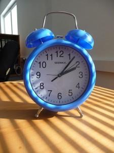 Der Doppelglocken-Wecker taugt dem meisten zum Aufwachen