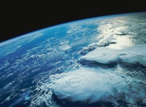 Die dünne Erdatmosphäre aus dem Weltall