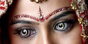 Kontaktlinsen mit Diamanten - Die Teuersten Kontaktlinsen der Welt