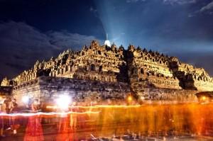 Festival am Borobudur Tempel