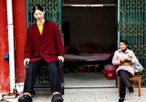 Die Größte Frau der Welt Yao Defen aus China